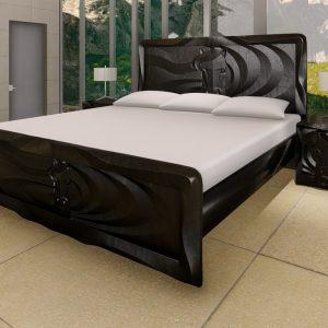 cama-de-madera-maciza-con-formas-referencia-hipica-oscura