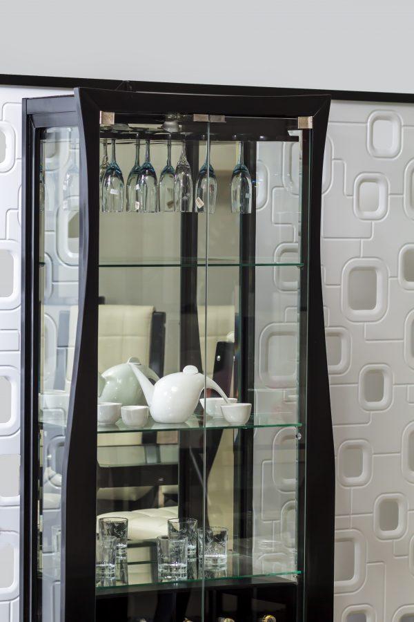 cava-porcelanero-grande-en-madera-y-vidrio-referencia-loreans-detalle