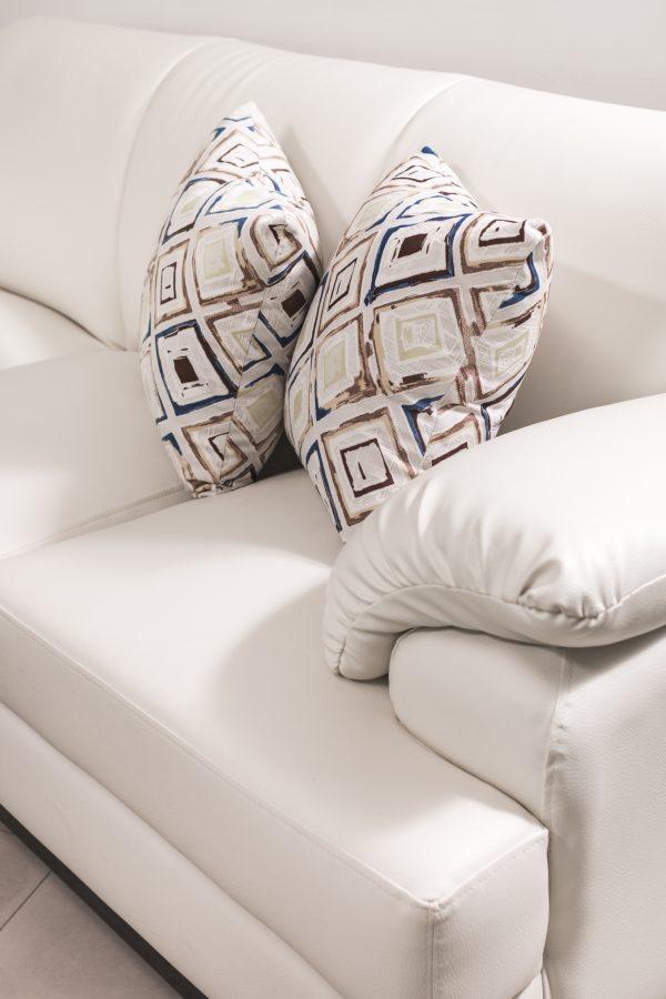 detalle-sofa-blanco-dos-puestos-referencia-tiffany