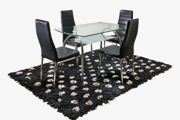 mesa-comedor-transparente-sencilla-cuatro-puestos-sillas-negras
